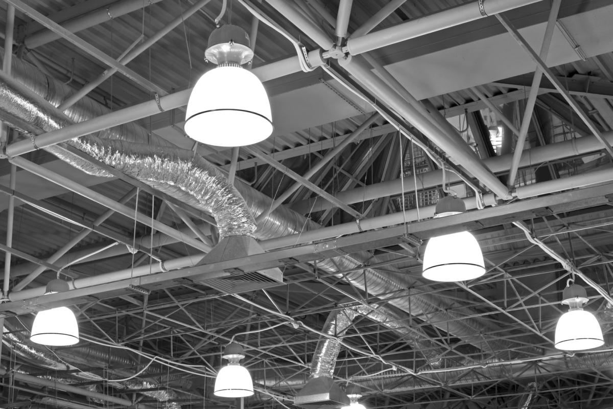 Монтажвнутрішнього тазовнішнього освітлення